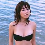 Yumi Sugimoto hot asian babe at the beach in her bikini