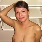 Big-breasted Pinay fucks white guy on vacation in hotel room