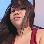 Chubby Filipina babe Arlene gets shaved pussy filled with jizz
