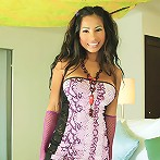LuluSexBomb peels off her snakeskin outfit