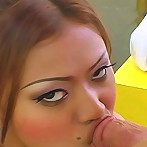 Thai hooker Bea swallows cum like its water!